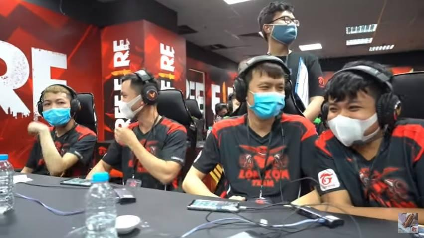 Jogadores usam máscaras na Liga nacional de Free Fire  no Vietnã