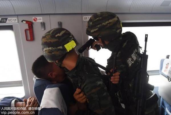 Polícia Chinesa acaba com maior grupo de criação de hacks para Free Fire do mundo