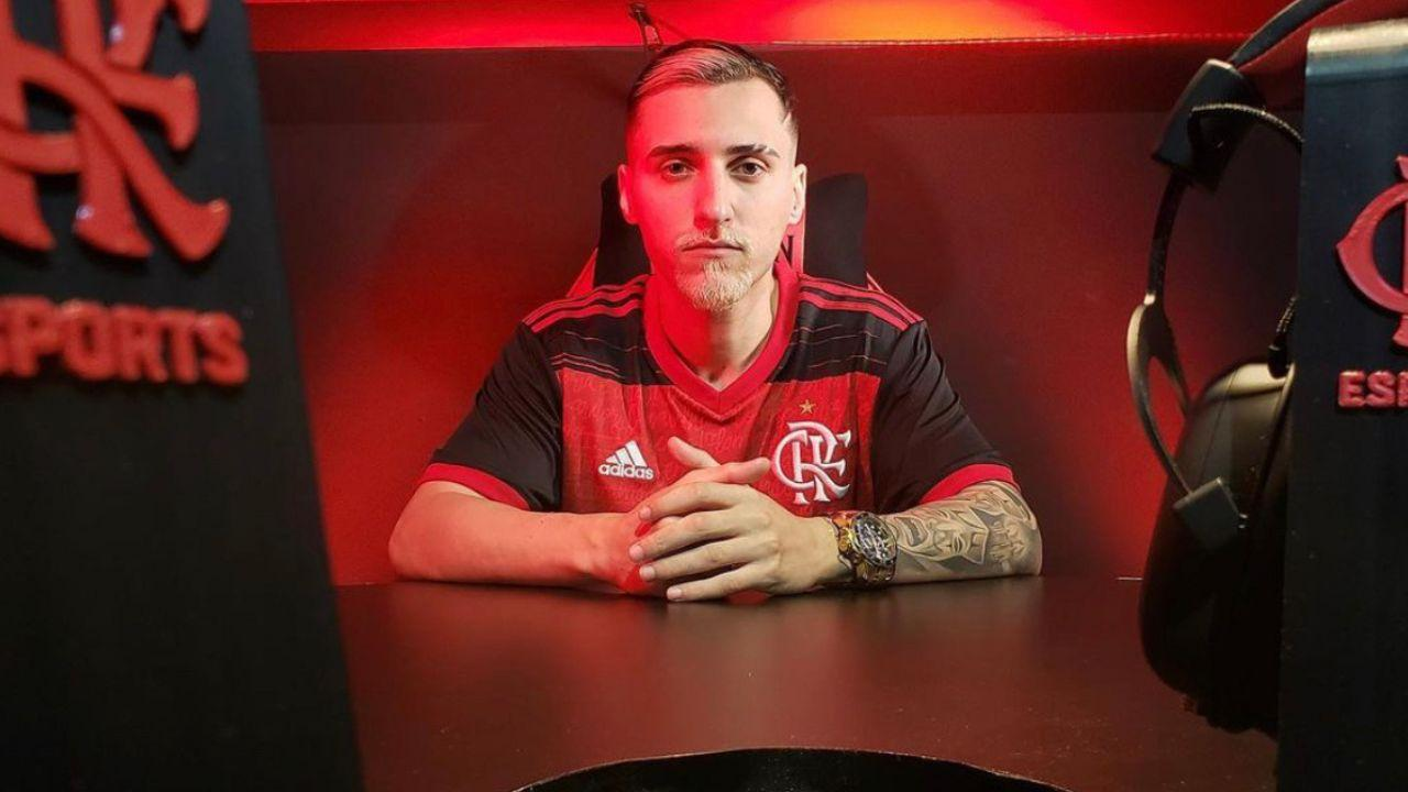 Raposo anuncia saída do Flamengo Esports
